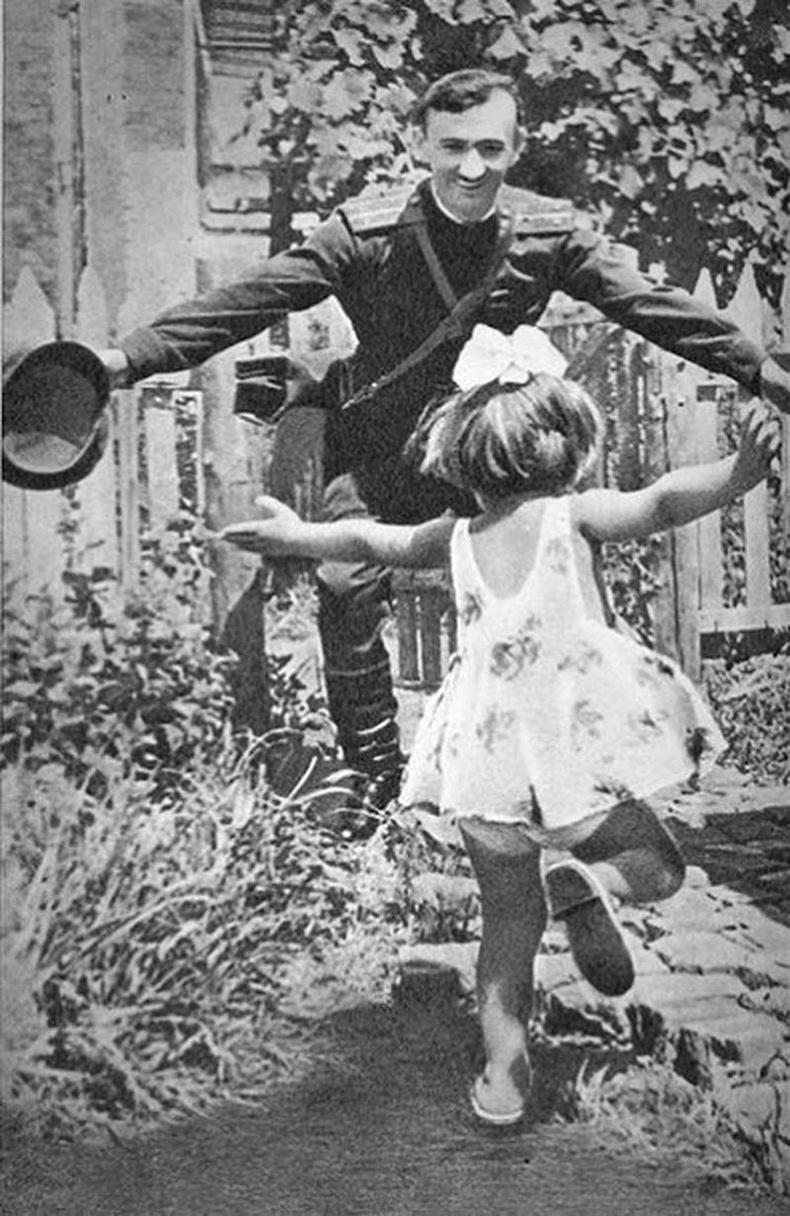 Аав  ирлээ!, ЗХУ, 1945 он.