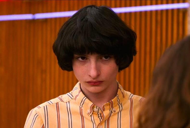 Харин Канадын жүжигчин, дуучин Фин Вулфхард (Finn Wolfhard) 18 настай.