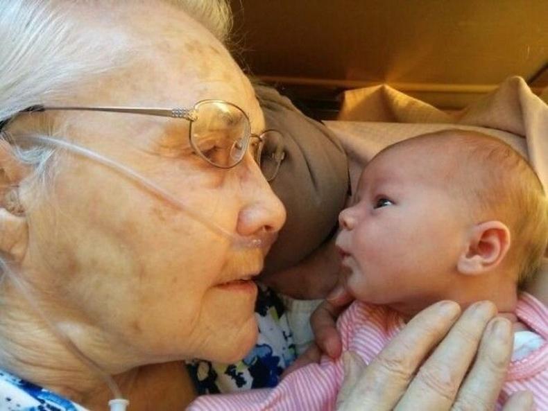 92 настай эмээ жич охинтойгоо уулзсан нь
