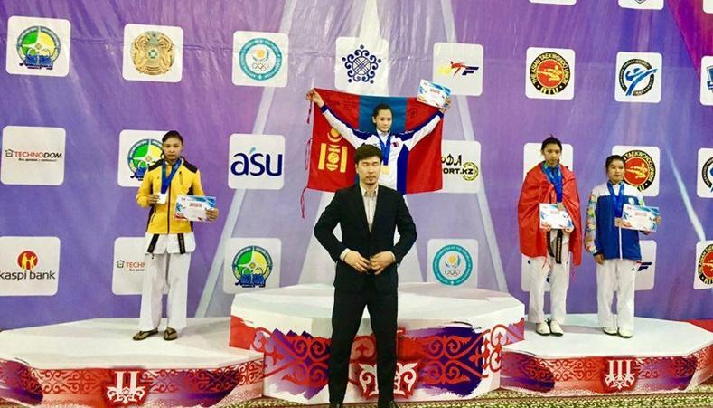 Алтан медаль хүртсэн Б.Намуундаа баяр хүргэе!