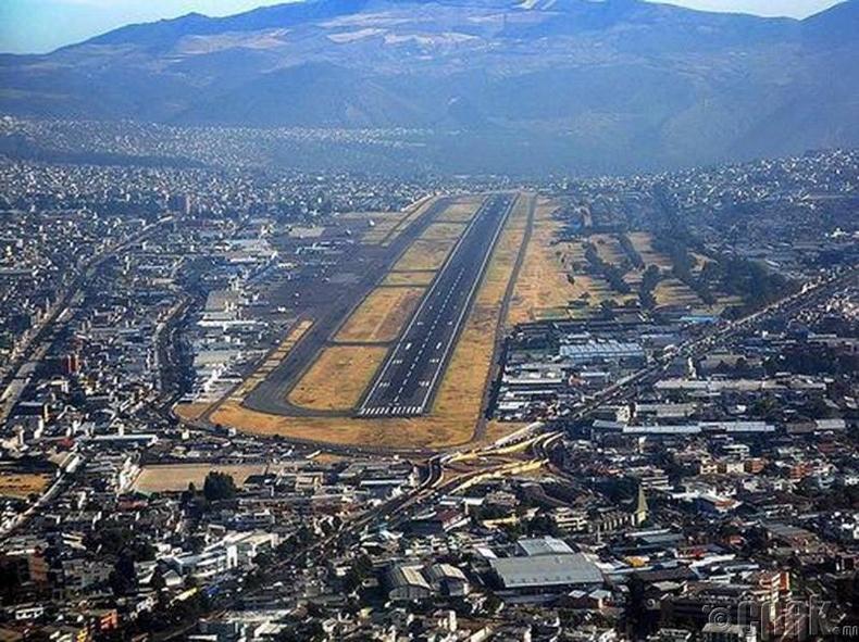 """""""Олд Марискал Сукре"""" олон улсын нисэх онгоцны буудал,Эквадор"""