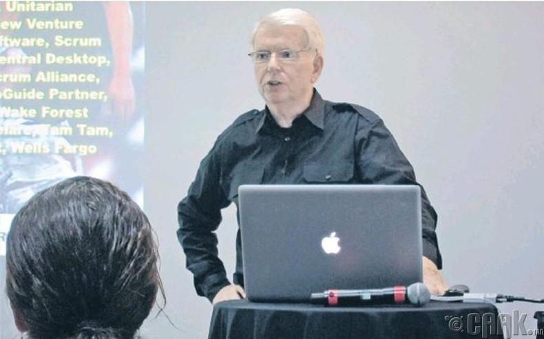 """Жефф Сазерланд (Jeff Sutherland), """"Scrum"""" компанийн тэргүүн,  программист"""