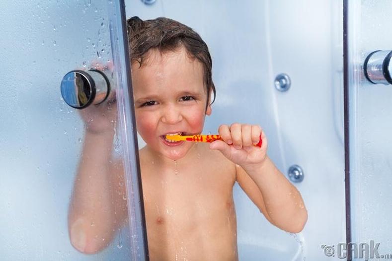 Шүршүүрт орохдоо шүдээ угаахгүй байх
