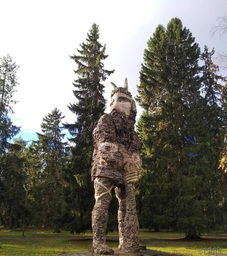 Эстони ардын үлгэрийн баатар Калевипоэг - Таллин хот, Эстони