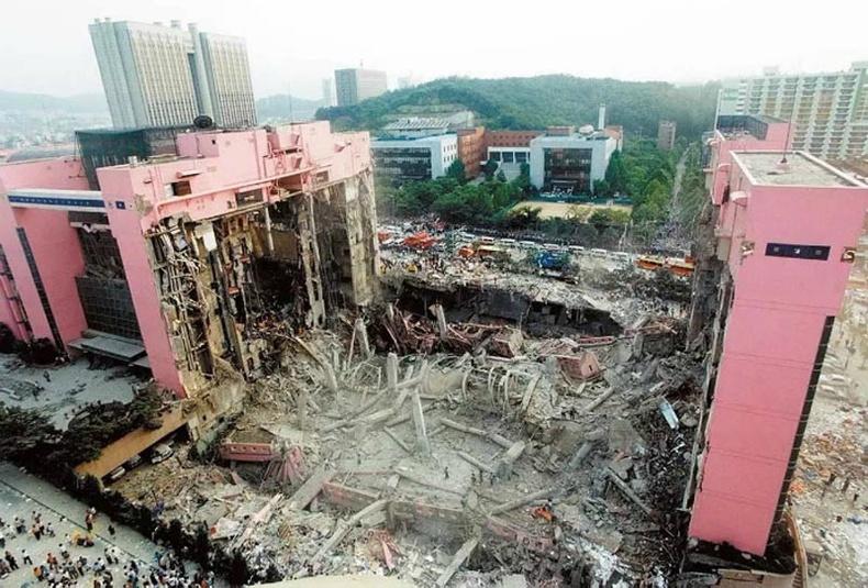 Архитекторын алдаа цусан мөр дагуулдаг...