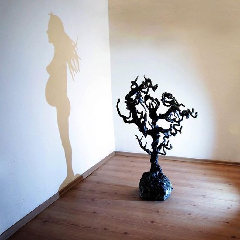 Ургамал мод - Амьдрал, Туркийн артист Искендер Жирай