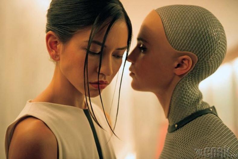 Бид удахгүй роботтой ярьдаг болно