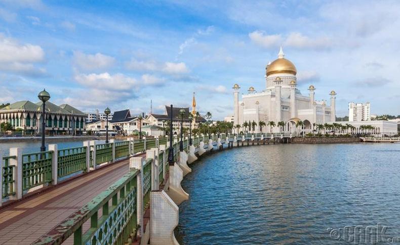 Брунэй Даруссалам - 55,111 доллар