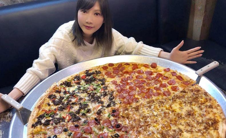 Нэг дор 60 бургер, гурван кг гоймон иддэг япон бүсгүй