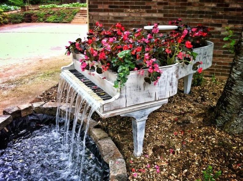 Хуучин төгөлдөр хуурыг оргилолт булаг болгожээ