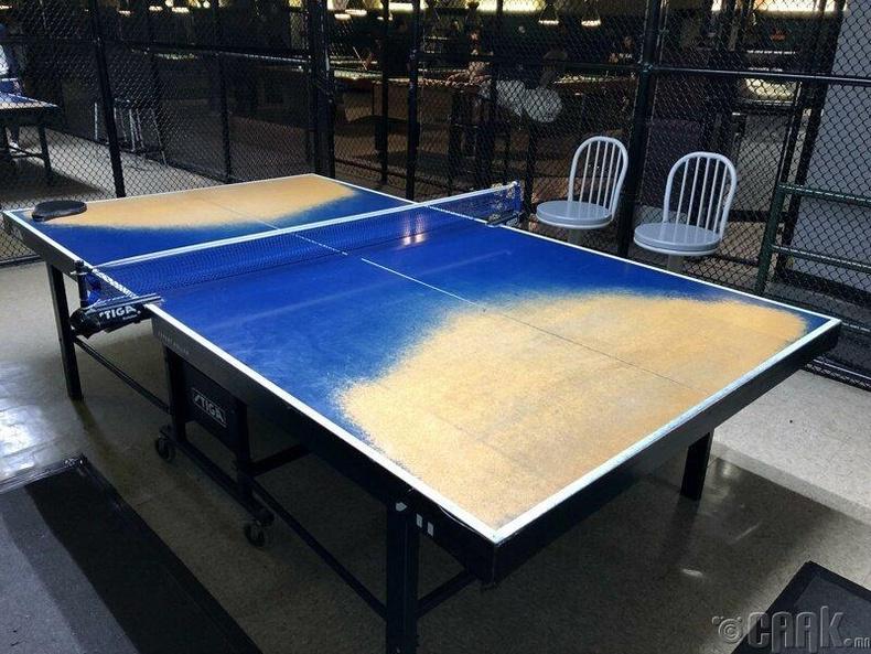 Теннисний ширээ ингэж элэгджээ