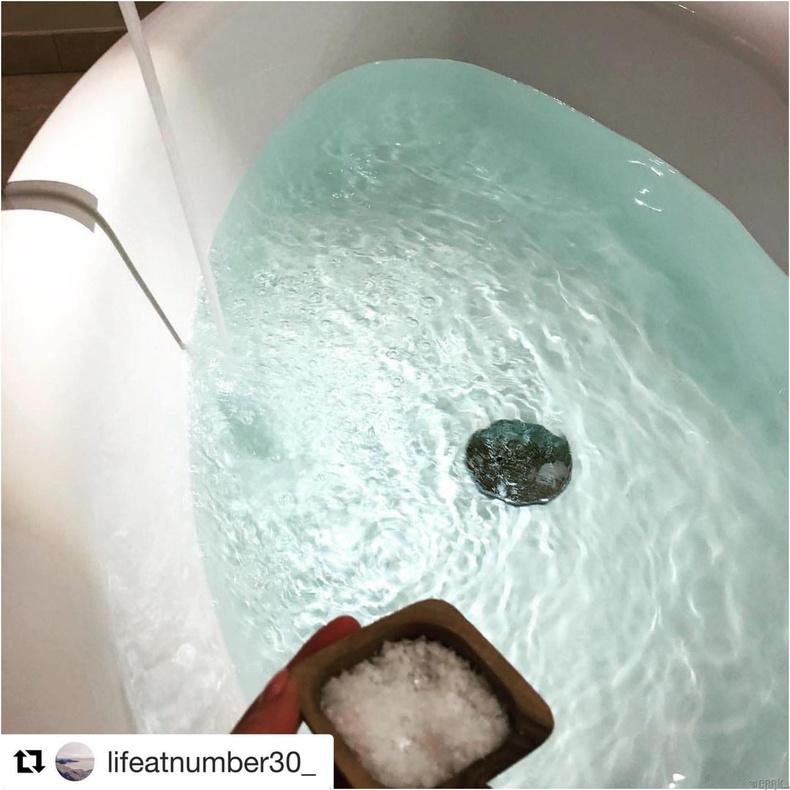 Давстай ваннд хэвтэх