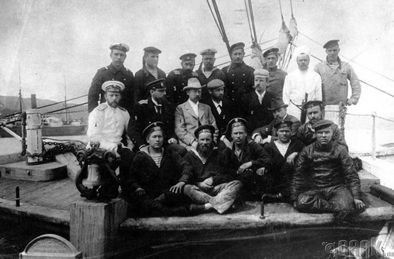 Эдуард Толлягийн судалгааны баг  (1902 он)