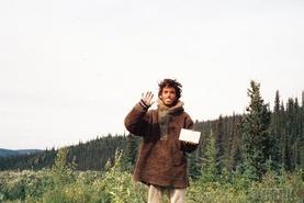Соёлт нийгмээс татгалзаж, Аляскийн зэрлэг байгалийг зорьсон залуугийн гунигт түүх