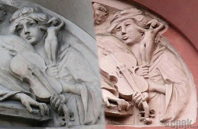 """Санкт-Петрбург дахь """"Гунигтай сахиусан тэнгэр""""-ийн баримал"""