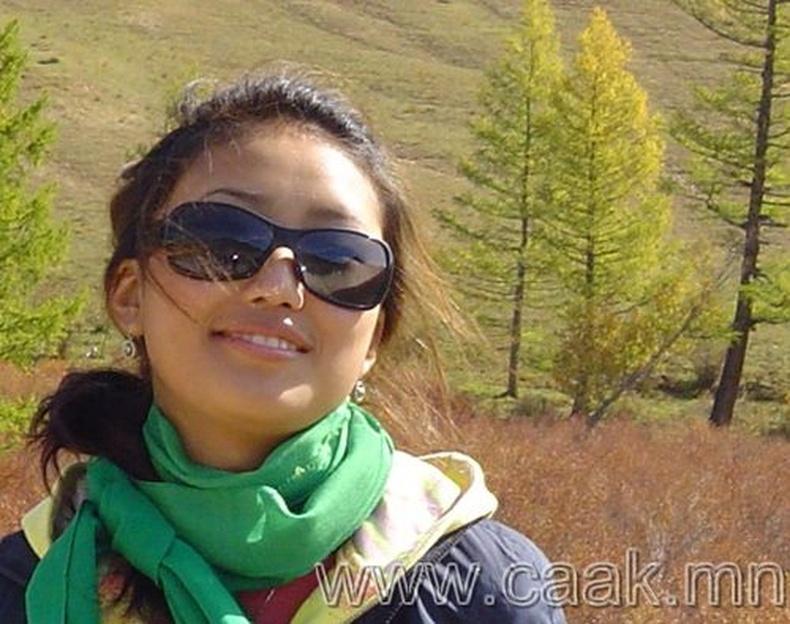 Монголын vзэсгэлэнт охид (48 Фото)