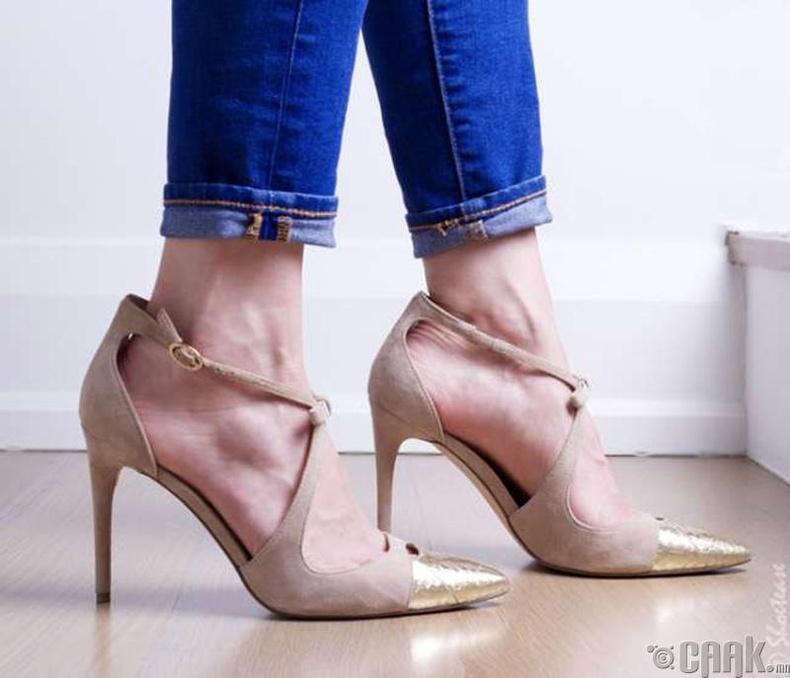 Хөлд таарахгүй гутал
