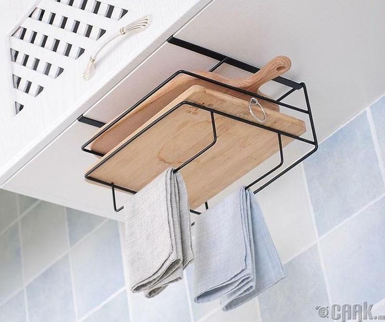 Гал тогооны ханын шүүгээний доод зайг өлгүүр болгон ашиглаж болно