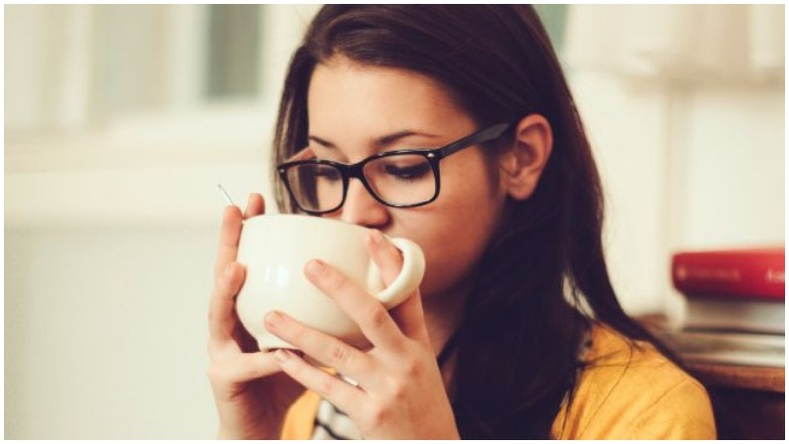 Хэт халуун цай уух нь хүний биед ямар нөлөө үзүүлдэг вэ?