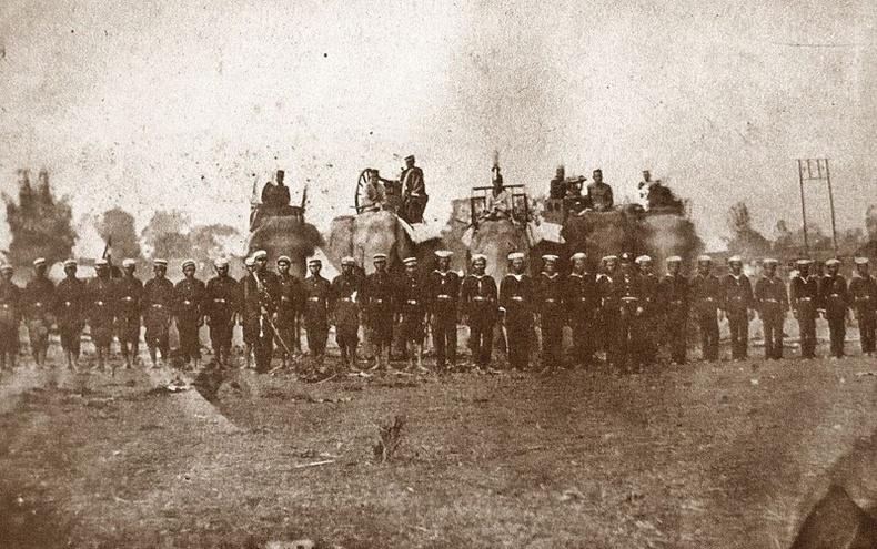 Тайландын арми 1885 он хүртэл дайн тулаанд заан ашиглаж байжээ