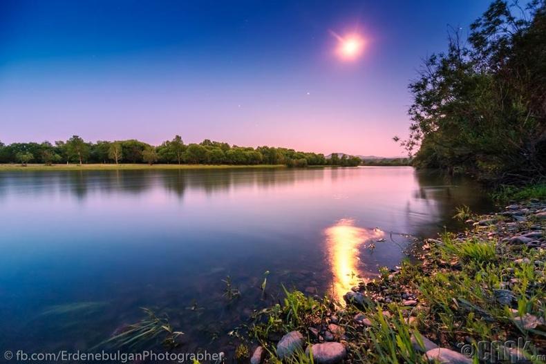 Ерөө голын сартай шөнө