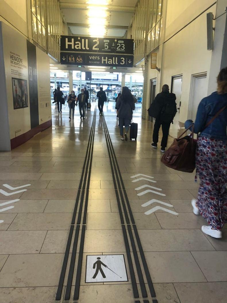 Галт тэрэгний буудалд хараагүй иргэдэд зориулсан зам тавьжээ