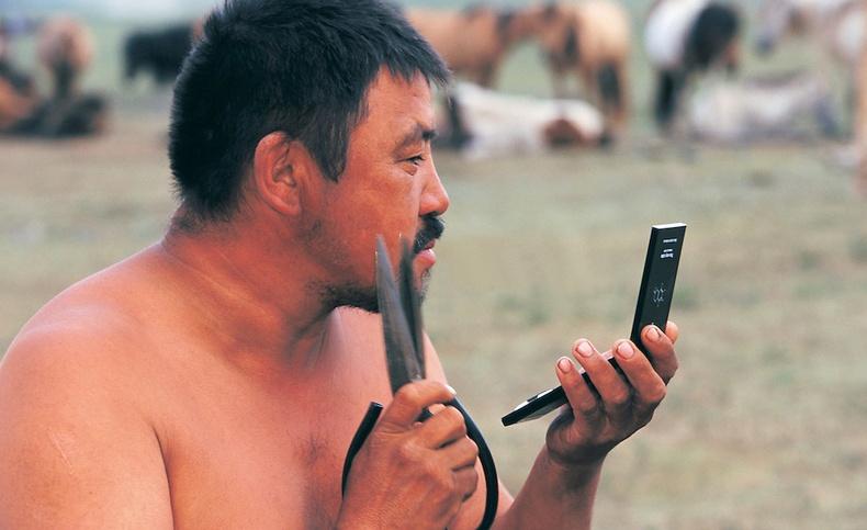 """""""Сэтгэл сэргээм Монголын нэгэн өдөр"""" - Гэрэл зурагчин Пит Оксфордын цомог (40 фото)"""