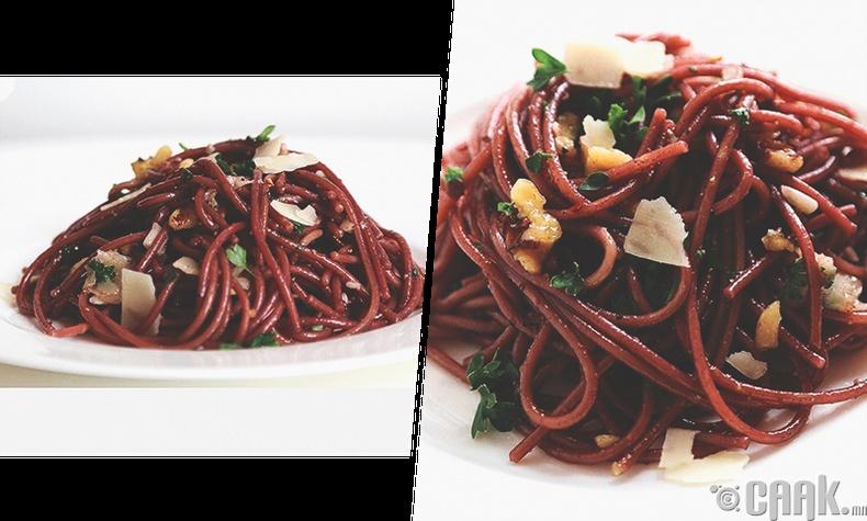 Улаан дарсанд хийсэн шпагетти