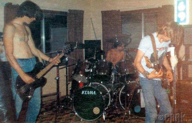 Nirvana, 1987