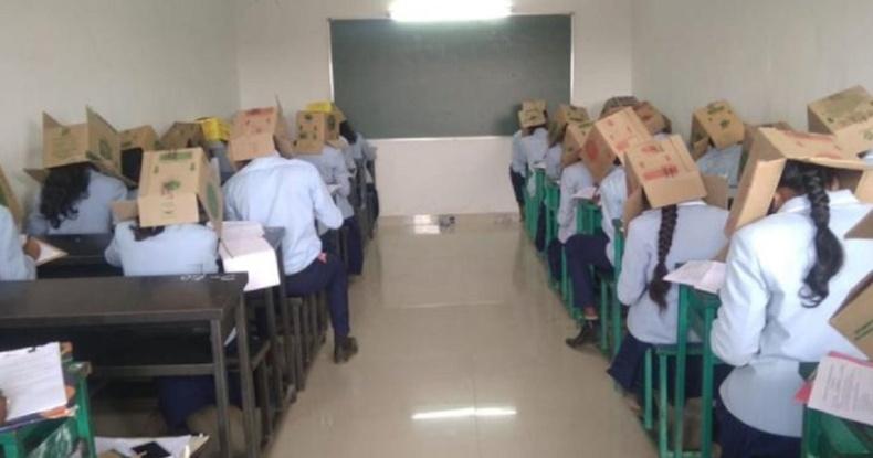 Энэтхэгийн олон сургуулиуд картон хайрцагны аргыг ашигладаг