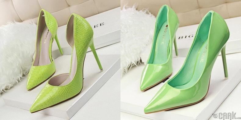 Ногоон өнгийн гутлууд