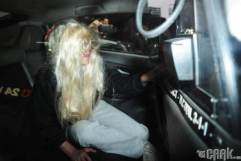Аманда Байнс (Amanda Bynes)-ын хиймэл үс унажээ
