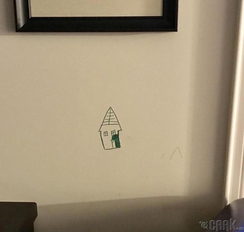 """""""Хүүхдийнхээ ханан дээр зурсан зургийг арилгах гэж зовсноос ингэчихсэн нь дээр"""""""