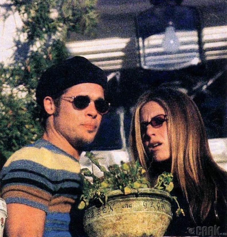 Женнифер Анистон, Брэд Питт (Jennifer Aniston, Brad Pitt) нар Беверли Хиллст - 1999 он