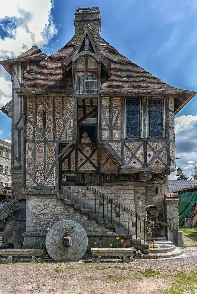 Францын Аржентан дахь 1509 онд баригдсан сүм