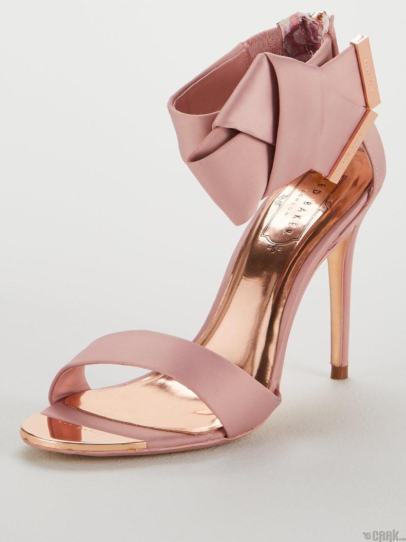 Тууз, жижиг зангилаа чимэглэлтэй гутал