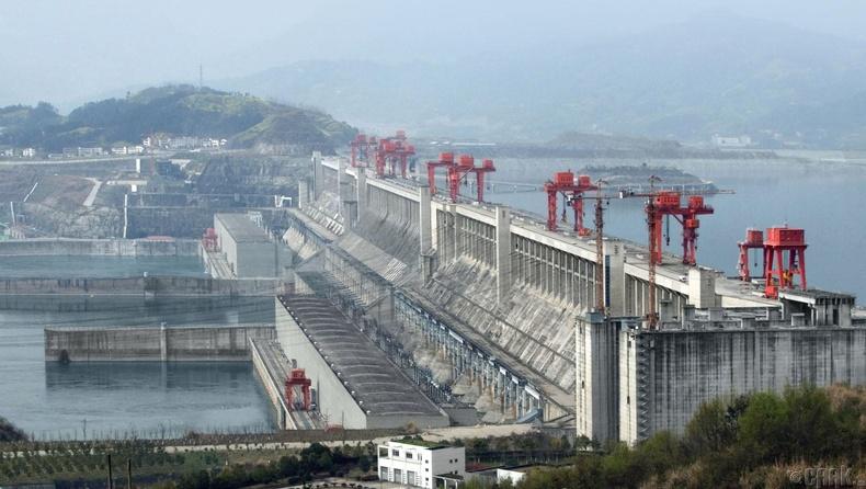 """""""Гурван хавцлын далан"""" - Дэлхийн хамгийн том усан цахилгаан станц"""