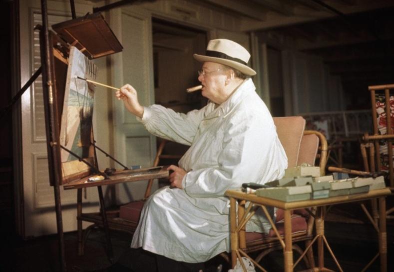 Уинстон Черчилль 500 гаруй зураг зурж байсан бөгөөд тэдгээрээс 50 нь мэргэжлийн түвшинд үзэсгэлэнд гарч байжээ