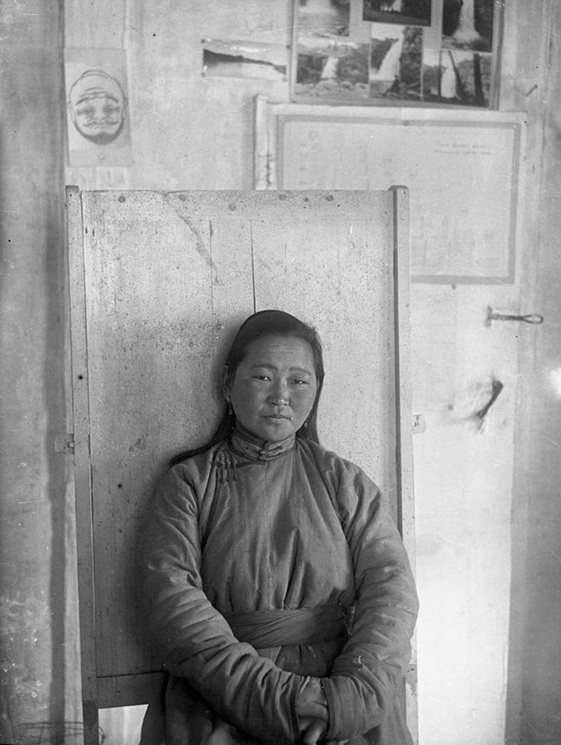 Монгол улсын анхны эмэгтэй Эрүүл мэндийн сайд Долгорын Пунцаг