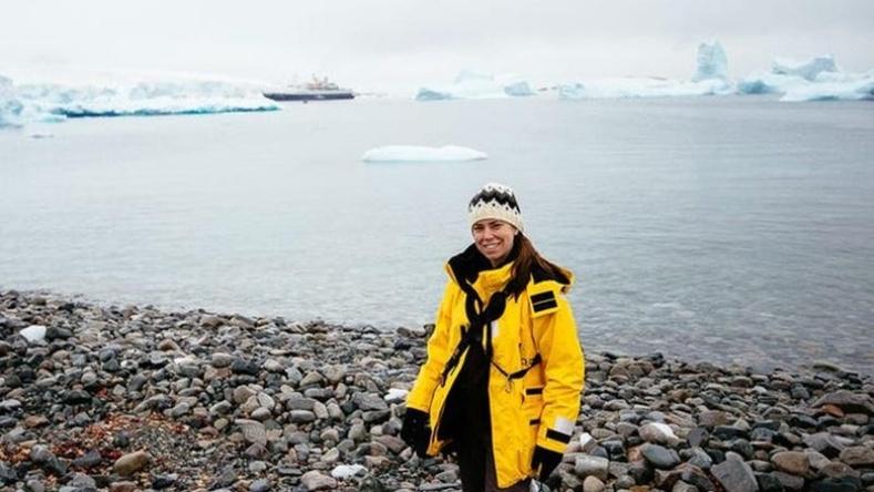 Америк бүсгүйн нууцлаг Антарктид тив рүү хийсэн аяллын тэмдэглэл