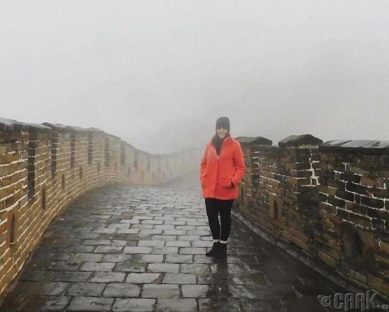 Хятадын цагаан хэрмийг үзэхээр 13 цагийн турш ниссэний дараа...