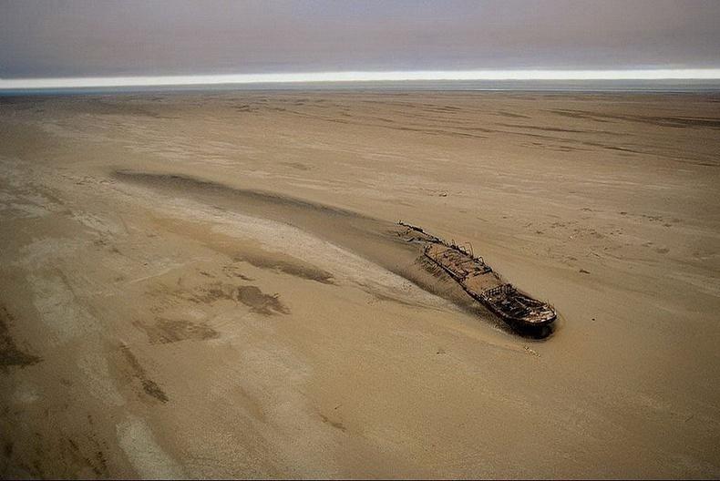 """Эрэг дээр хайрдсан """"Эдуард Болен"""" хөлөг онгоц - Намиби"""
