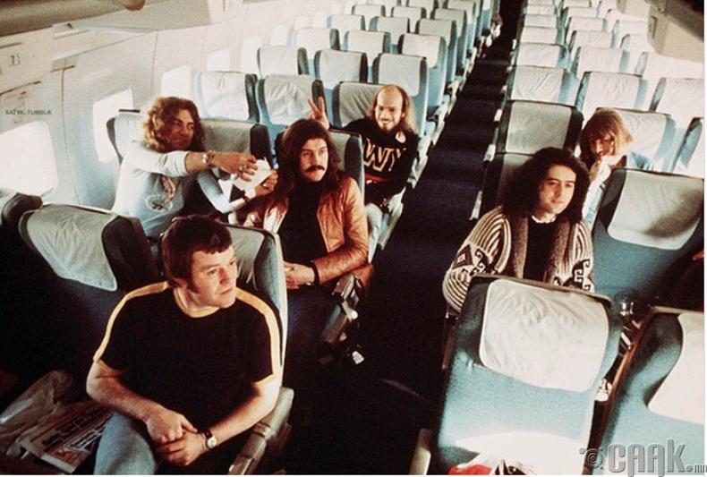 """""""Led Zeppelin"""" хамтлагийнхан Герман улсад анх ирж буй нь, 1973 он"""