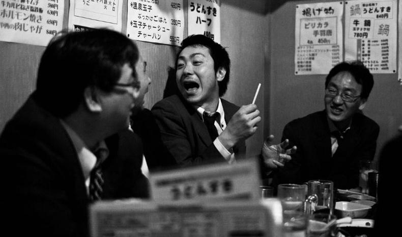 Согтуу Япончууд камерын дуранд