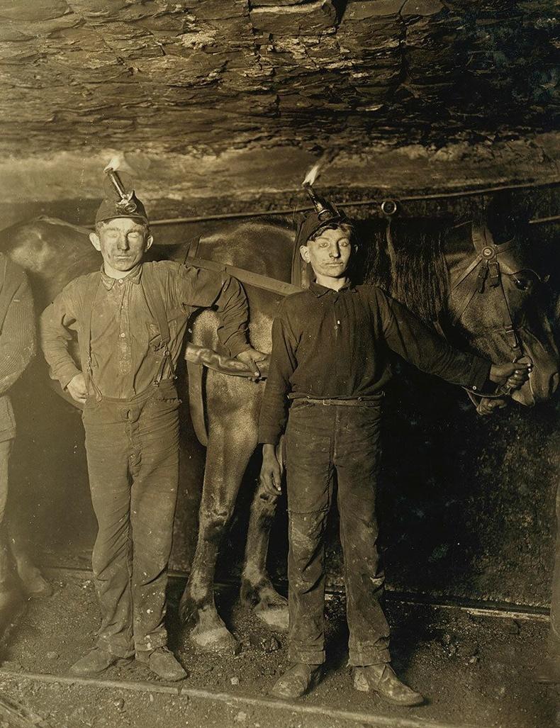 Нүүрсний уурхайд ажилладаг хоёр хүү, Баруун Виржини