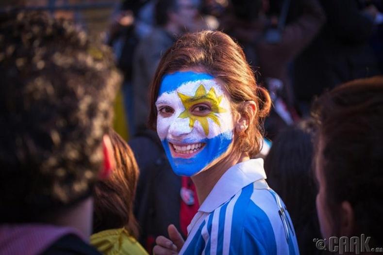 Аргентин: Хүн бүр хөлбөмбөгт хайртай