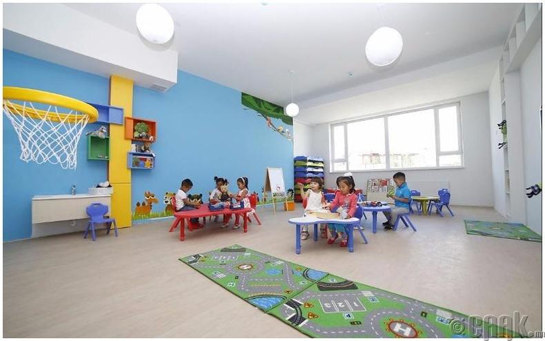 """Барилгын онцлог, давуу тал: """"Монгол Оюун 21-р зуун"""" цогцолборын харьяа  200 хүүхдийн багтаамжтай """"Оюунлаг багачууд"""" цэцэрлэг"""