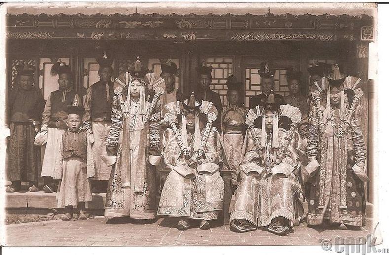 Хүрээний язгууртнууд - 1915 он
