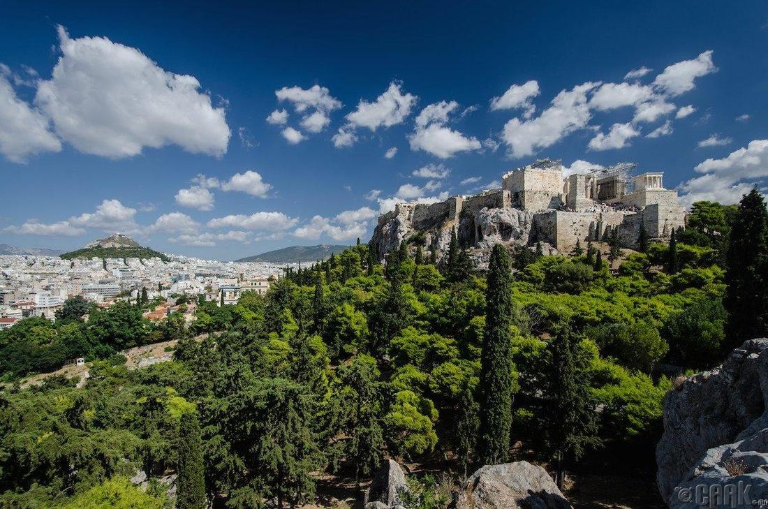 Афин, Грек - 211.48 доллар