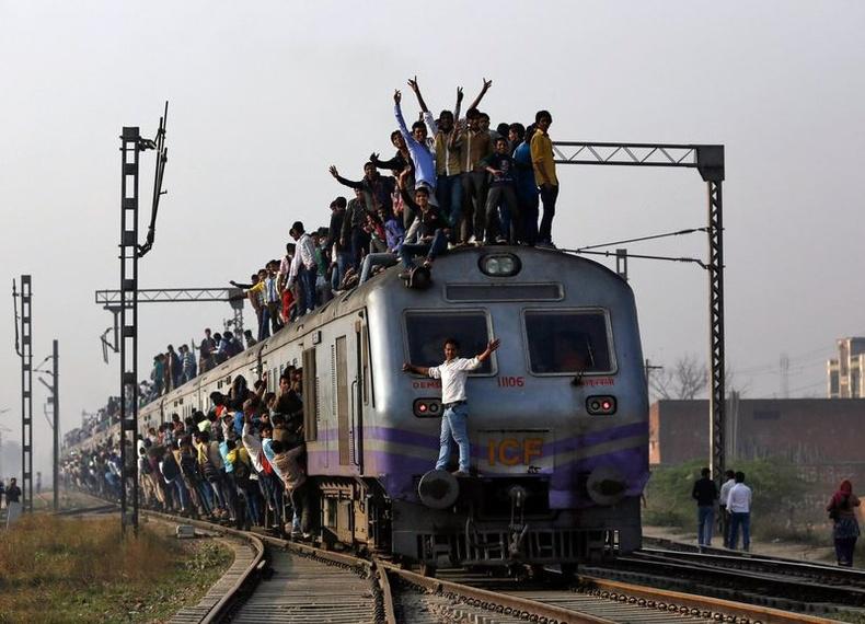 Төмөр замын бүх үйл ажиллагааг Энэтхэгийн төр дангаараа хариуцдаг
